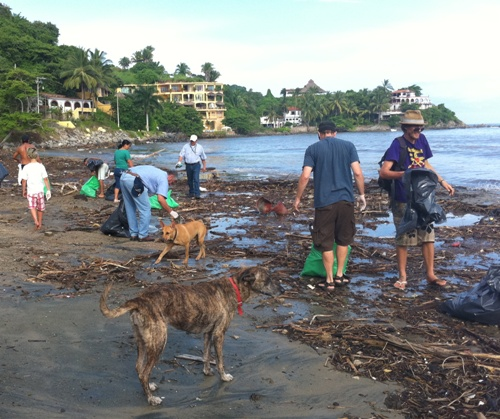 Sayulita Beach Clean Up! 001